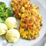 Kotlety siekane z kurczaka z pieczarkami, papryką i przyprawą curry Curried chicken cakes with mushrooms and red bell paprika
