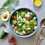 Sałatka z ogórka, awokado, koperku i fety Cucumber, avocado, dill and feta cheese salad