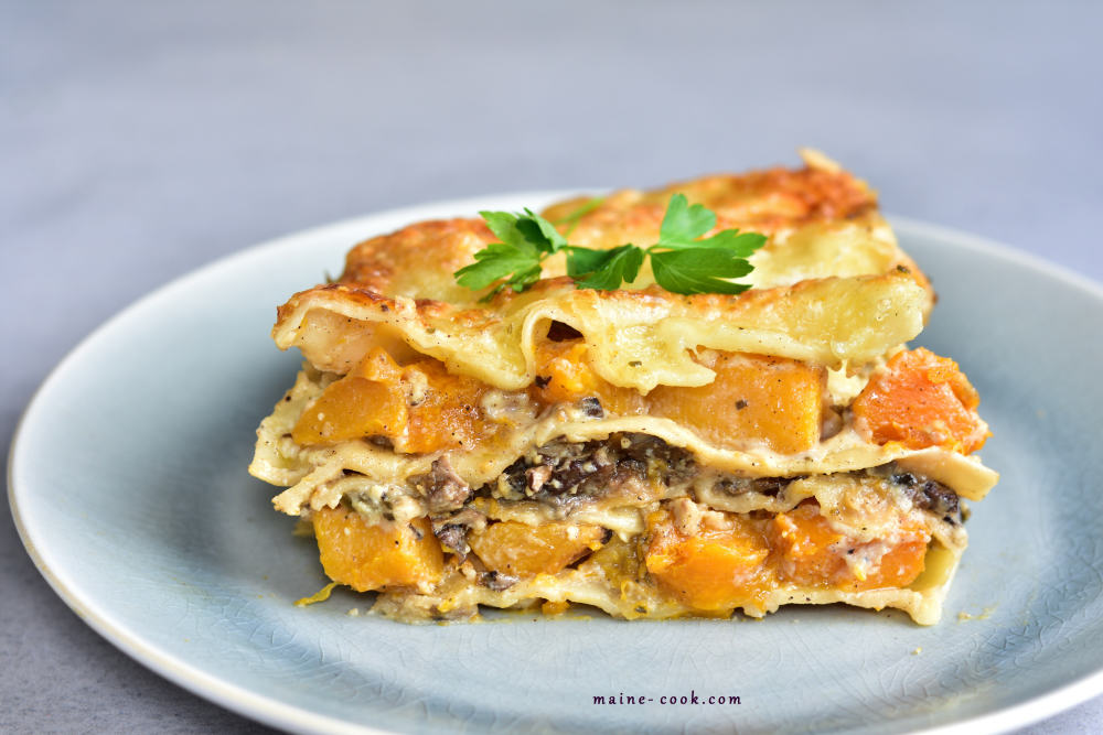 White lasagna with pumpkin and mushrooms Lasagne z dynią i grzybami