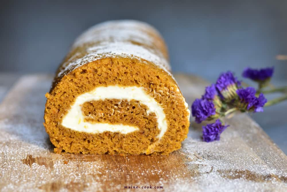 pumpkin roll with orange cream cheese rolada dyniowa z kremowym serkiem