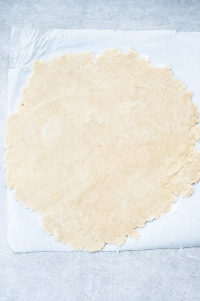 rolled out shortcrust dough