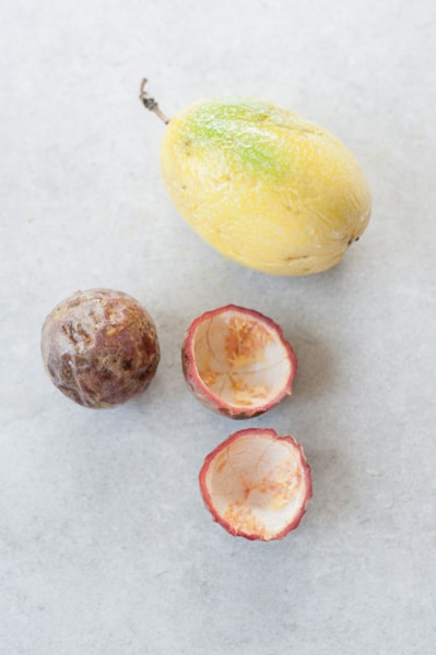 different types of passion fruit