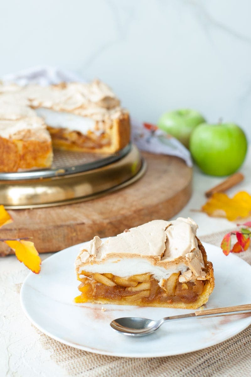 Apple Tart With Meringue Topping Everyday Delicious