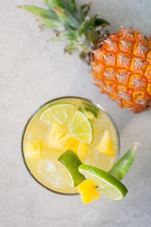 caipirinha z ananasem