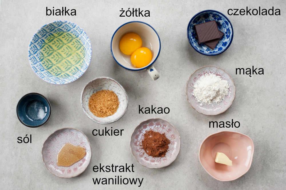 składniki na omlet czekoladowy