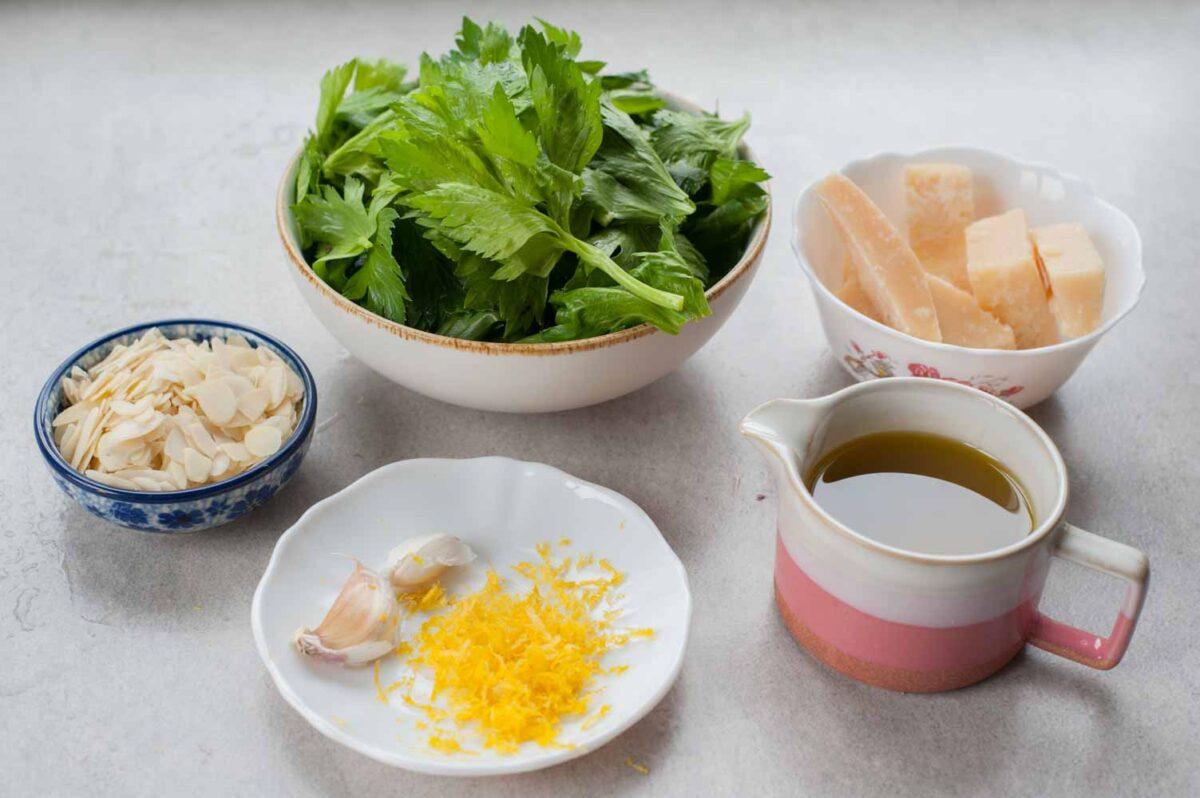 składniki na pesto z liści selera naciowego