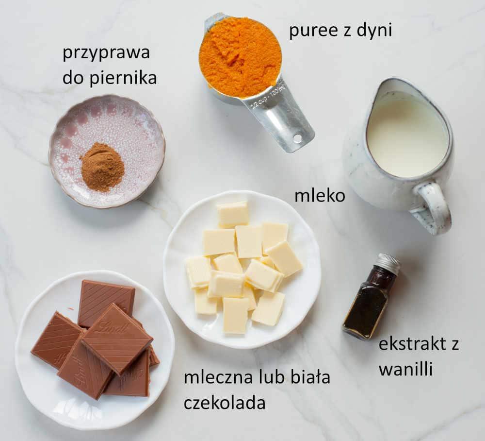 Składniki potrzebne do przygotowania gorącej czekolady z dodatkiem dyni.