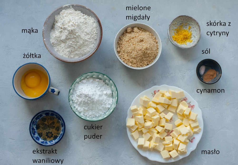 Składniki potrzebne do przygotowania ciastek Linzer.