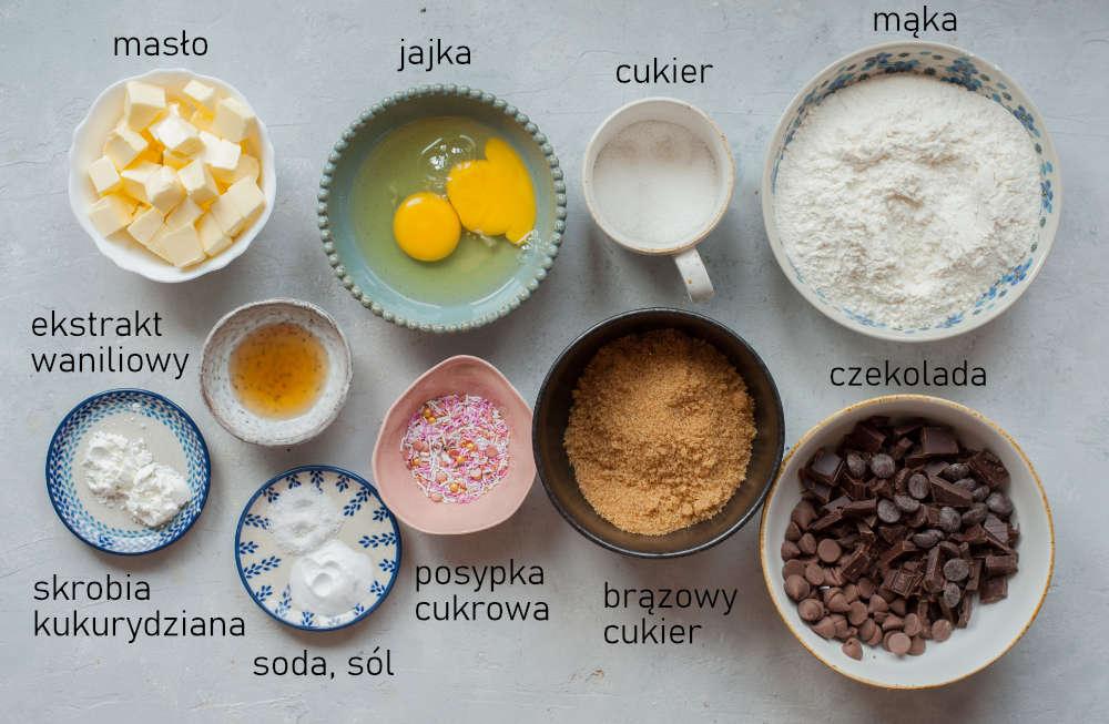 Składniki na ciasto z czekoladą.
