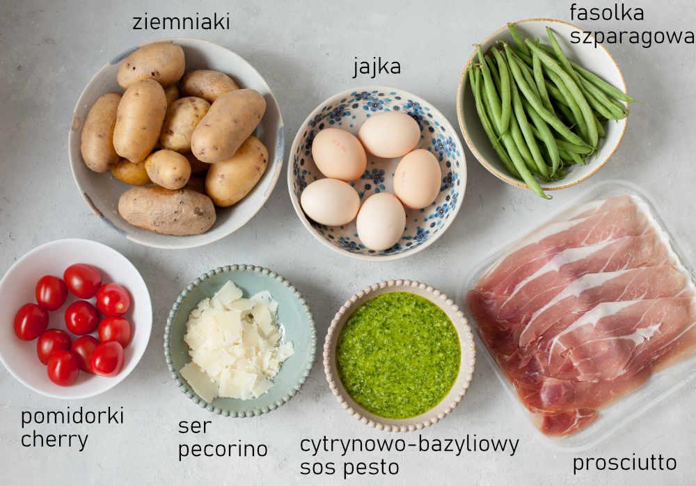 Składniki potrzebne do przygotowania sałatki z ziemniakami i sosem pesto.