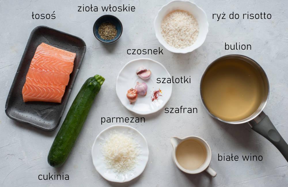 Składniki na risotto szafranowe z łososiem i cukinią.